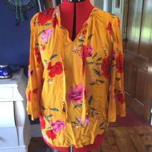 3/4 sleeves, flowered, tie neck top